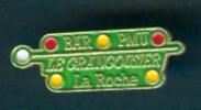 Pin's : LA ROCHE-SUR-YON (85, Vendée), Bar-PMU Le Grangousier - Villes