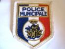 ECUSSON DE LA POLICE MUNICIPALE ETAT EXCELLENT - Polizia