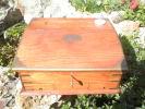 ANCIEN PUPITRE AVEC ENCRIER FIN XIX SIECLE AVEC CLE - Boxes