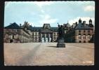 54 - LUNEVILLE, Carte Dentelée, Le Château Et La Statue Du Maréchal Lasalle - Sculpteur Cordier - Luneville