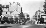 51 REIMS PLACE DE LA MAGDELEINE ET LA RUE DE VESLE  AVEC TRACTION ET CAFE LES SORBIERS - Reims