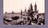 14 - Caen - Eglise Saint-Etienne (Abbaye Aux Hommes) Coté De L'abside Et Le Lycée - Editeur: CAP N° 166 - Caen