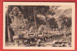 CPA: Cambodge - Angkor-Thom - Le Naga - Porte De La Victoire (Editeur Crespin N°101) - Kambodscha