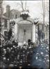45 -  BRIARE - PHOTO ORIGINALE 16,7X11,8 Cm D'UNE COMMEMORATION AU MONUMENT AUX MORTS - Briare