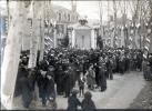 45 -  BRIARE - PHOTO ORIGINALE 16,7X11,8 Cm D´UNE COMMEMORATION AU MONUMENT AUX MORTS - Briare