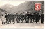 GROUPE DE SOLDATS FRANCAIS ET ITALIENS A LA FRONTIERE DOUANE DOUANIER MILITAIRE BERSAGLIERI ITALIA - Aduana