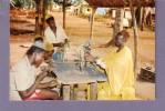 Cameroun - - Foumban - Artisans Au Travail (sculpteur) - Camerún