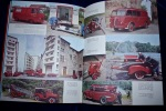 COURAGE ET DEVOUEMENT. Sapeur Pompier 1970 -  Vehicules - BOMBEROS  Francia 1970 - French Fireman 1970 Car And Picture - Livres, BD, Revues