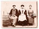 Artisans Avec Tabliers à Côté D'une Presse  à Paris - Photo 1906 Millerioux - Professions