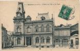 MEULAN - L'Hôtel De Ville Et La Poste - Meulan
