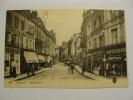 CPA AMIENS La Rue Duméril Coiffeur Marchand De Jupons   Trés Animée - Amiens