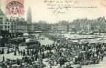 59 CAMBRAI Grand'Place Jour De Marché (très Animée) - Cambrai