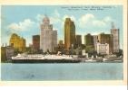 U.S.A. . DETROIT WATERFRONT FROM WINDSOR Paquebot Au Port . Pubs VERNON , MCC Park , BOB-LO - Detroit