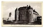 DIEPPE Le Château Et La Statue De Vauquelin - Dieppe