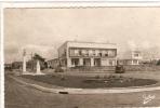 33  MONTALIVET -LES -BAINS     Le Rond Point - Autres Communes
