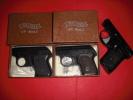 2 Pistolet D'alarme WALTHER + Un Autre - Decorative Weapons