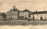 ANDELOT    Place De L'Hôtel De Ville  (animée:personnages,gendarmerie1 Boutique) - Andelot Blancheville