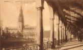 Blick Durch Die Alsterarkaden Auf Das Rathaus - Duitsland