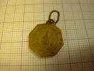 11Y/5 - Médaille Religieuse Bois Seigneur Isaac - Autres Collections