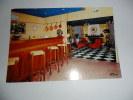 """Romanèche-Thorins; Hôtel """"les Maritonnes"""" Le Bar-salon - Macon"""
