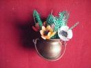 Petit Chaudron Plastique Avec Fleurs Hauteur 9cm Avec Les Fleurs-pour Decoration  Maison Poupee - Loisirs Créatifs