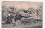 00258 Dolmen Menhirs Meuden Le Dolmen Sur La Terrasse Du Chateau - Dolmen & Menhire