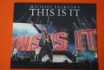 """MICHAEL JACKSON´S THIS IS IT KING OF THE POP PLAQUETTE >3D HOLOGRAMME  VIP """"JULY 13, 2009-MARCH 6,2010  MUSIQUE DANCE - Objets Dérivés"""