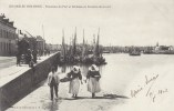 17a - 85 - Les Sables D'Olonne - Vendée - Panorama Du Port Et Sablaises En Costume De Travail - Sables D'Olonne