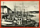 CPSM 29 CONCARNEAU Finistère Activités Du Port ° Editions Jean N° 1450 ° Bateau Bateaux De Pêche - Concarneau