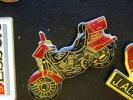 (lot348) Pin´s Pins De Collection   /    GROSSE MOTO ROUTIERE GENRE HARLEY ?      /  TRES BON ETAT  (pour L´état : Voir - Zonder Classificatie