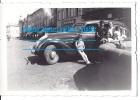 Photo Voiture Automobile Peugeot Et Magasin Casino   ( Mode 1930 1940  Chapeau Fourrure ) Fontaine - Automobiles