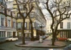 PARIS PLACE FURSTENBERG (COLORISEE,VOITURES,SIMCA,RENAULT)   REF 23559 - Arrondissement: 06