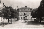 D33 - ST SAVIN DE BLAYE  - La Place Dufaure - Non Classificati