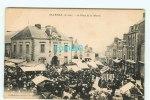 B - 44 - SAVENAY - La Place De La Mairie - Marché - édition Perrier - Savenay