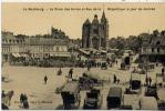 27 - LE NEUBOURG - La Place Des Halles Et Rue De La République Le Jour De Marché - Le Neubourg