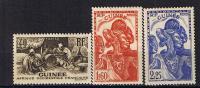 GUINEE 1939 40 SERIE COURANTE 158 166 167 MLH - Guinée Française (1892-1944)