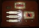 RADIO  TENESSEE  3  WITH  CLOCK - OLD  SASHION  -  COLLECTORS EDITIONS -  LECTEUR CASSETTE  -  26CM - 35CM - Musique & Instruments
