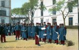 INFANTERIE...DEPART DE PERMISSIONNAIRES......CPA.ANIMEE... - Regiments