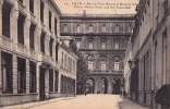 LILLE - Rue Du Palais Rihour Et Hôtel De Ville - Lille