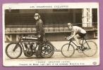 """CARTE PHOTO - LES CHAMPIONS CYCLISTES -  """" TOTO """" GRASSIN ET SON ENTRAINEUR  MAURICE JUBI EN DERBI - - Cyclisme"""