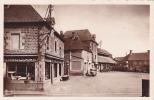 18920 SENS De BRETAGNE - Un Coin De La Place Et Les Halles . 13 Donias Adison Rennes -commerce Chauffage Pompe Essence - France