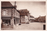 18920 SENS De BRETAGNE - Un Coin De La Place Et Les Halles . 13 Donias Adison Rennes -commerce Chauffage Pompe Essence