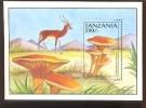 TANZANIA  1016  MINT NEVER HINGED SOUVENIR SHEET OF MUSHROOMS ; ANIMALS - Paddestoelen
