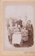 PHOTO  1900 SUR CARTON 10.5x16.5  Studio DUMONT DUSSAUGE  La Cluse (01) . Famille Autour De L'Aïeule - Non Classés