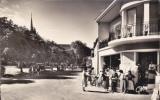CPSM LES MOUTIERS 44 Place De L' église Madame Jolie Animation 1958 - Les Moutiers-en-Retz