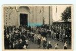 CARTE PHOTO à IDENTIFIER - église Avec Sortie D'enfants - Procession Religieuse - Cartes Postales