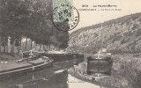 """52 VOUECOURT  Belle Vue  """" PORT Du CANAL  """"  Batellerie  PENICHES Et Mariniers En 1906 - France"""