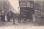 2258    PARIS  NOUVEAU   -  LES  FEMMES  COCHER.   Mme  Dufaut - Petits Métiers à Paris