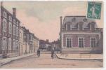 19192 SOULAINES  RUE DE L´ HOTEL DE VILLE  éd Henry Leneuf! Attention Décollée !