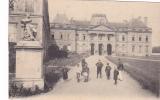 19217 Luneville, Chateau Des Bosquets . Pas De Légende Ni éditeur -enfants Militaire